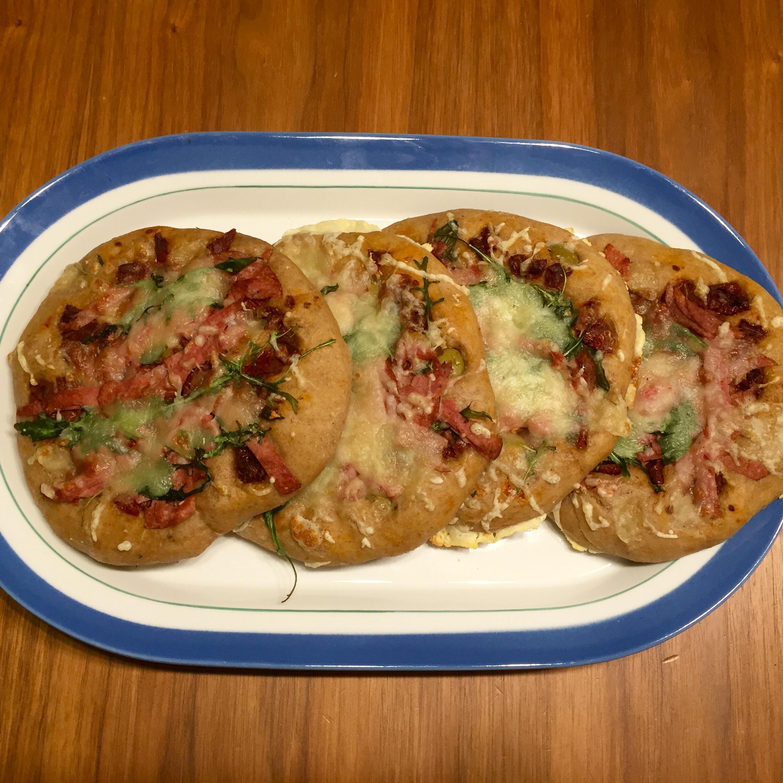 Focaccia pizzat, pitkällä kaavalla
